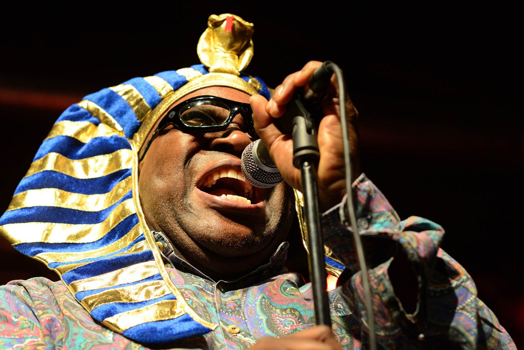 BARRENCE WHITFIELD - Sun. July 4 - Noon